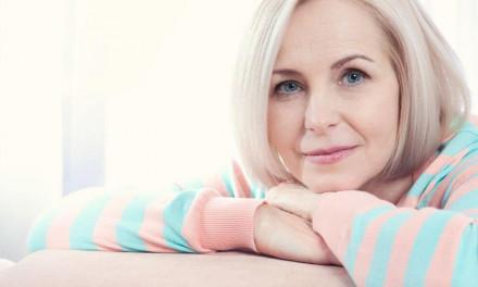 Osteoporosi e menopausa: i fattori che favoriscono la patologia